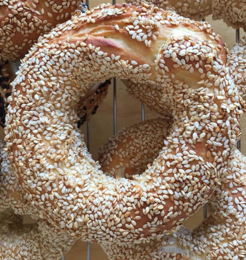 sesame breadrings